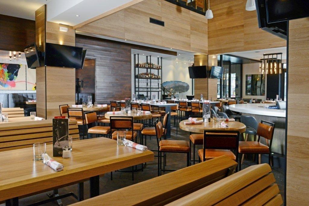 Earls Glenarm main floor lounge and bar