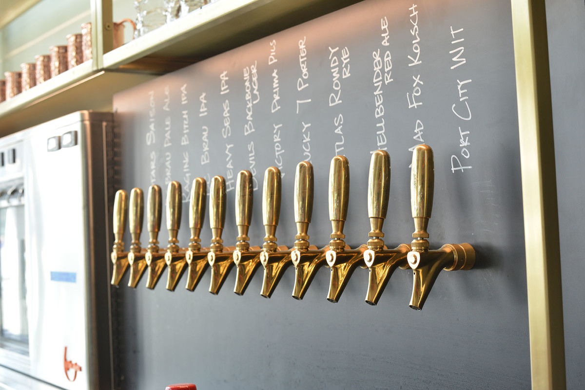 Local beer taps, Earls Tysons