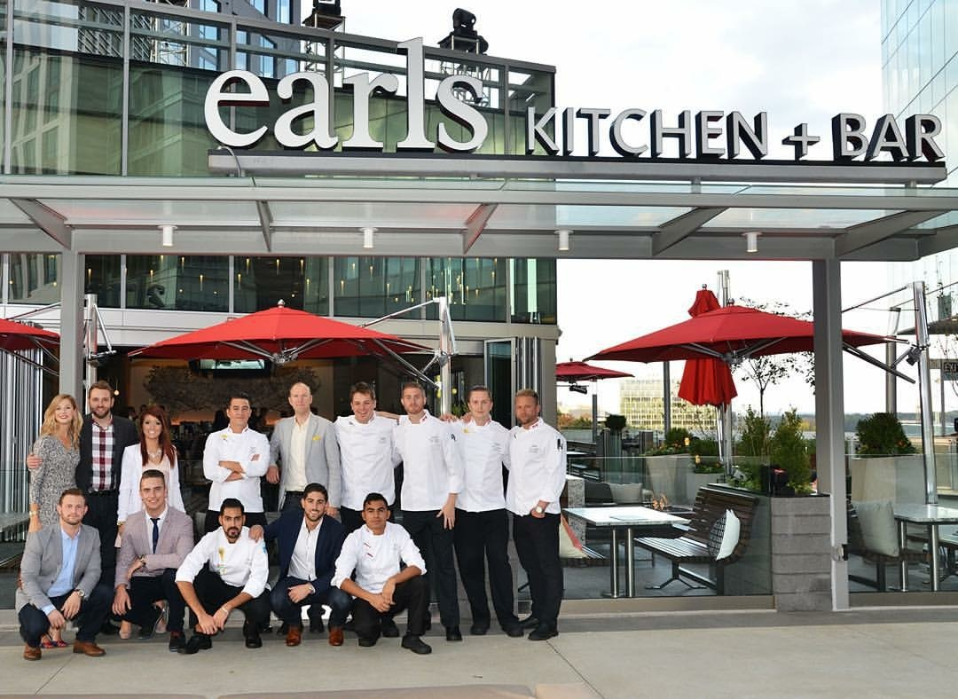 Opening Team, Earls Tysons